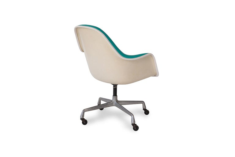 Charles Ray Eames Herman Miller Office Chairs In Good Condition For Sale In Phoenix, AZ