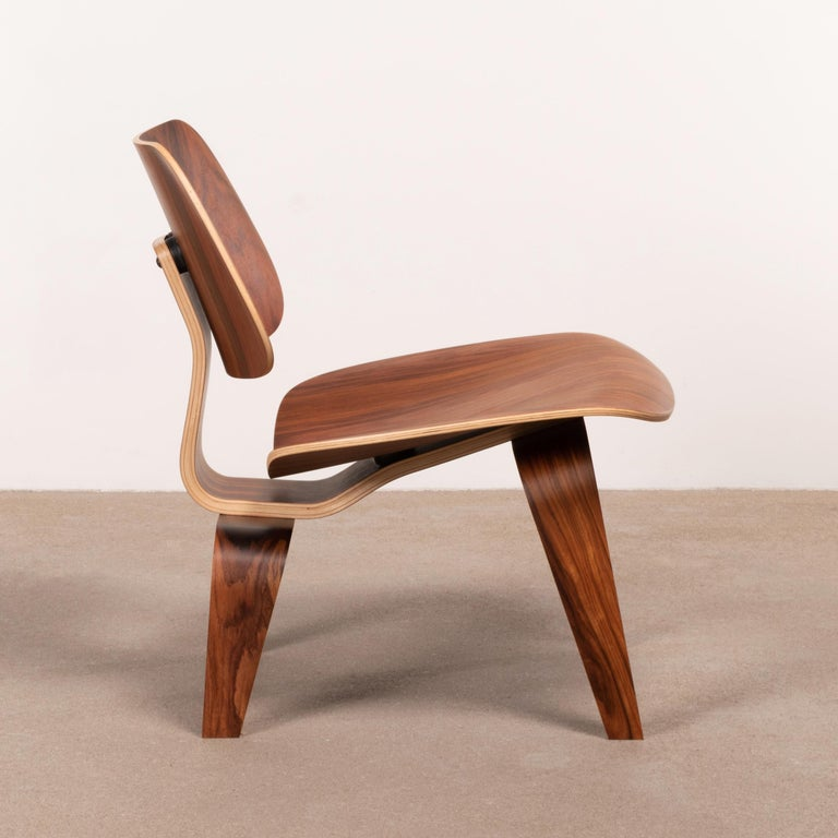Mid-Century Modern Charles & Ray Eames LCW Santos Palisander Lounge Chair for Herman Miller For Sale
