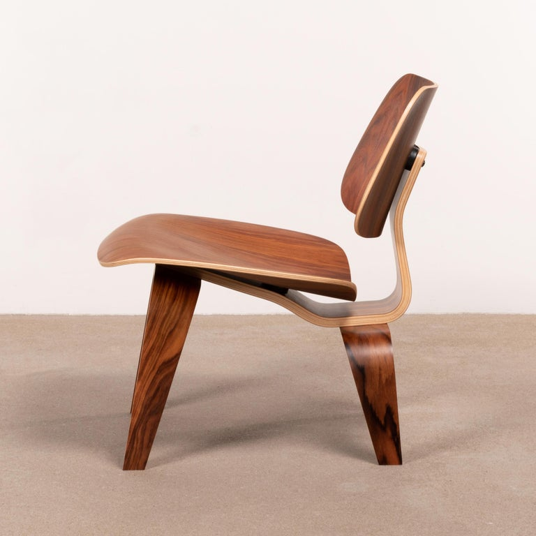Mid-20th Century Charles & Ray Eames LCW Santos Palisander Lounge Chair for Herman Miller For Sale