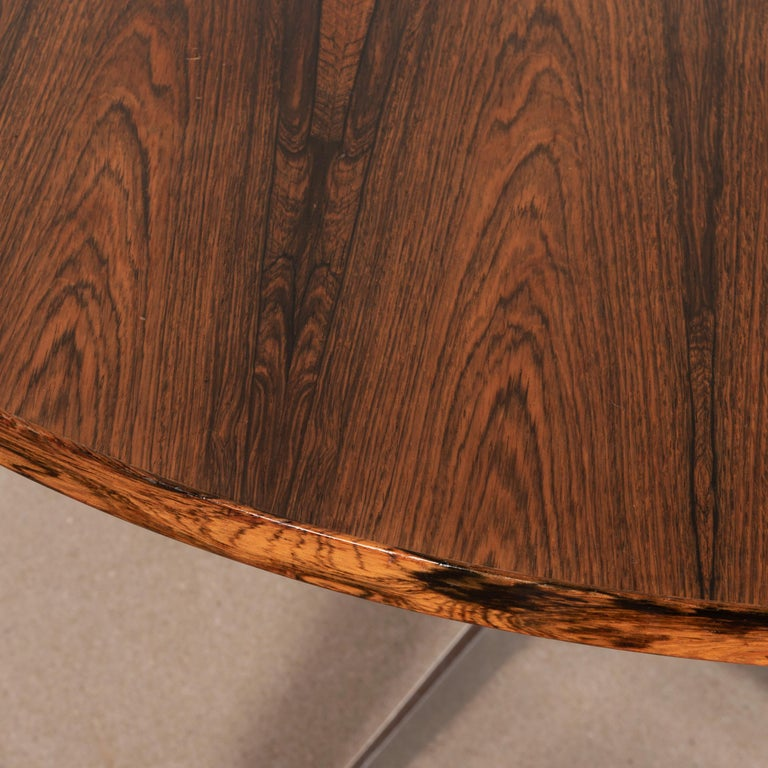 Charles & Ray Eames Rosewood Dining Table with Contract Base for Herman Miller In Good Condition For Sale In Amsterdam, NL