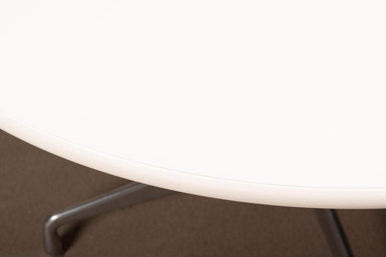 American Charles & Ray Eames Segmented round and white Dining Table for Herman Miller For Sale
