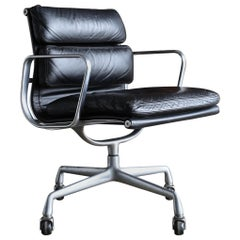 Charles & Ray Eames Soft Pad Management Chair for Herman Miller, circa 1960
