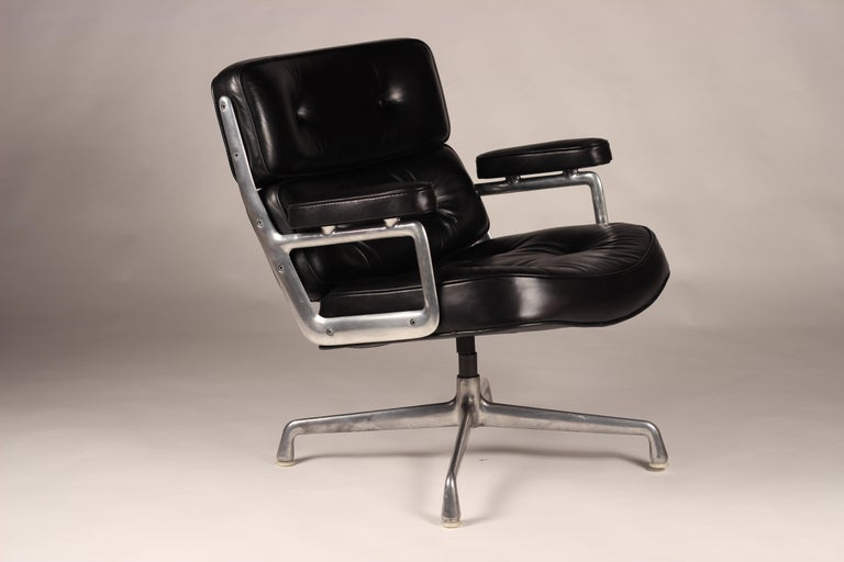 Charles & Ray Eames Time Life Lobby Chair For Sale 2