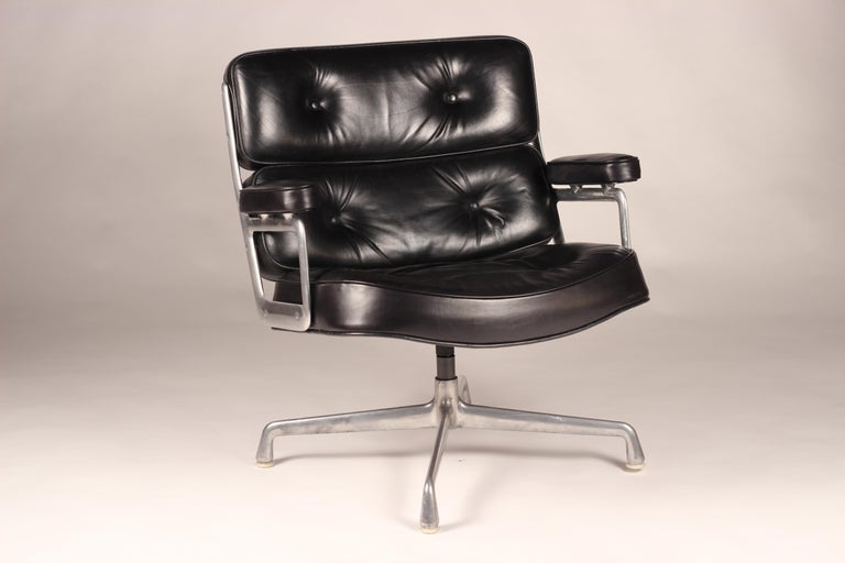 Charles & Ray Eames Time Life Lobby Chair For Sale 3