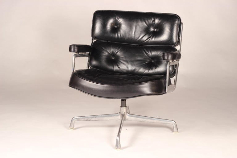 Designed in 1960 for the reception areas of the Time-Life building in New York by Charles & Ray Eames. The Time Life Lobby Chair combines the characteristics of some of the other iconic designs they developed around the same period. The wide seat,