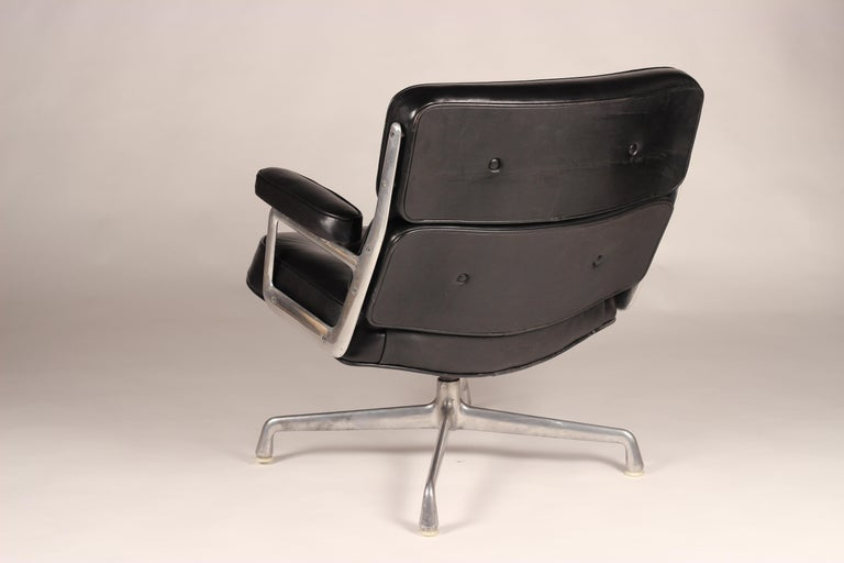 Cast Charles & Ray Eames Time Life Lobby Chair For Sale