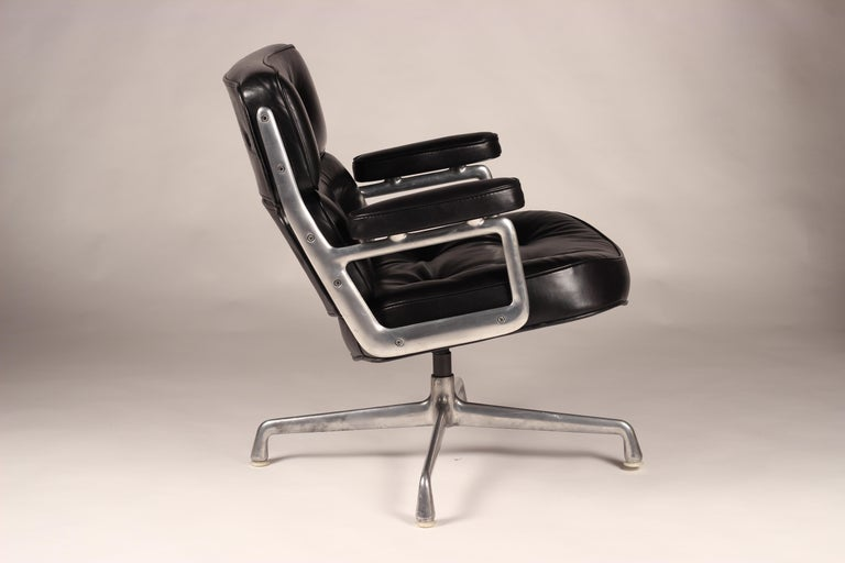 Charles & Ray Eames Time Life Lobby Chair For Sale 1