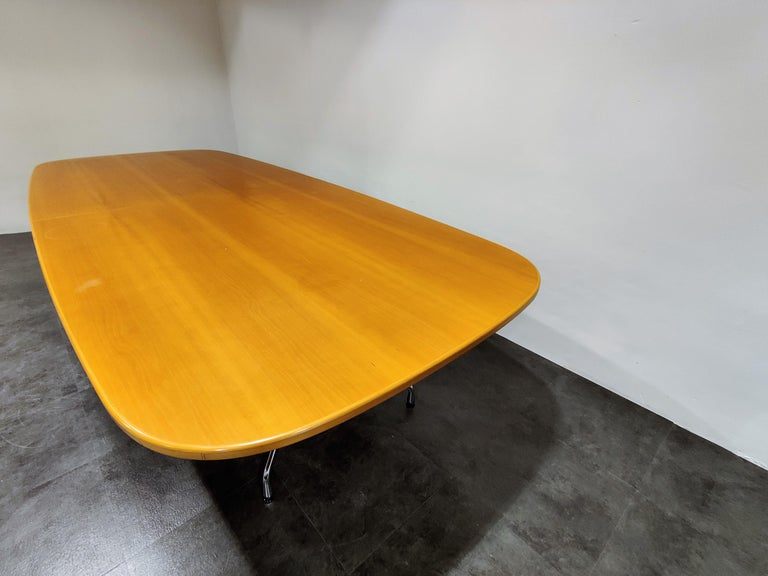 Charles and Ray Eames, Vitra Segmented Dining or Conference Table, 1990s In Good Condition For Sale In Neervelp, BE