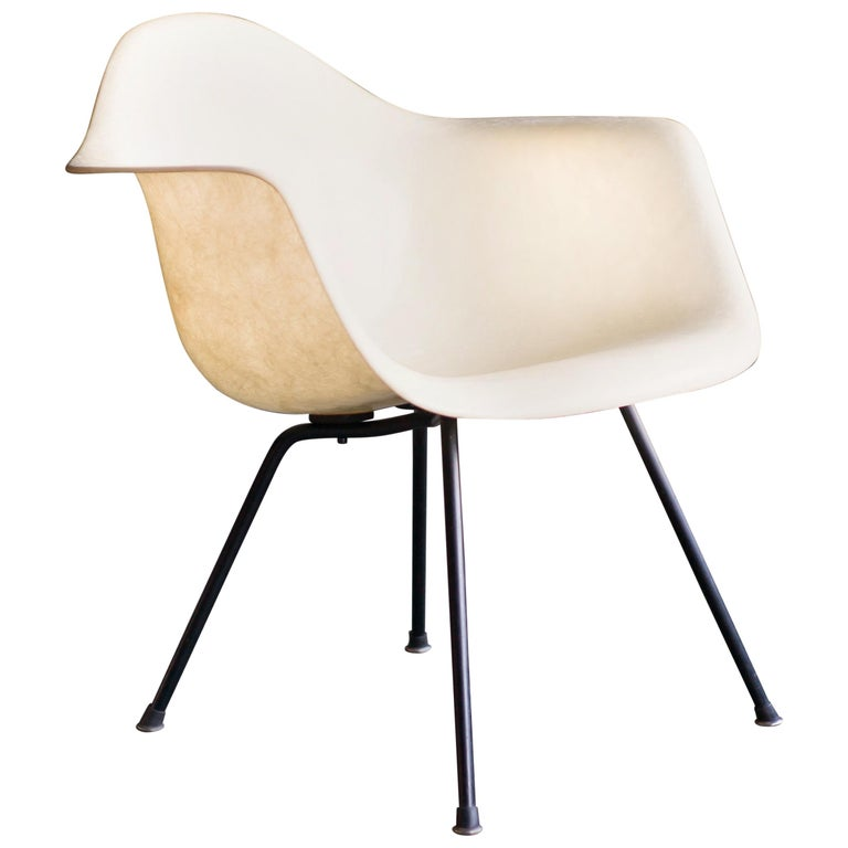 Charles & Ray Eames Zenith Plastics Rope Edge LAX Lounge Chair For Sale