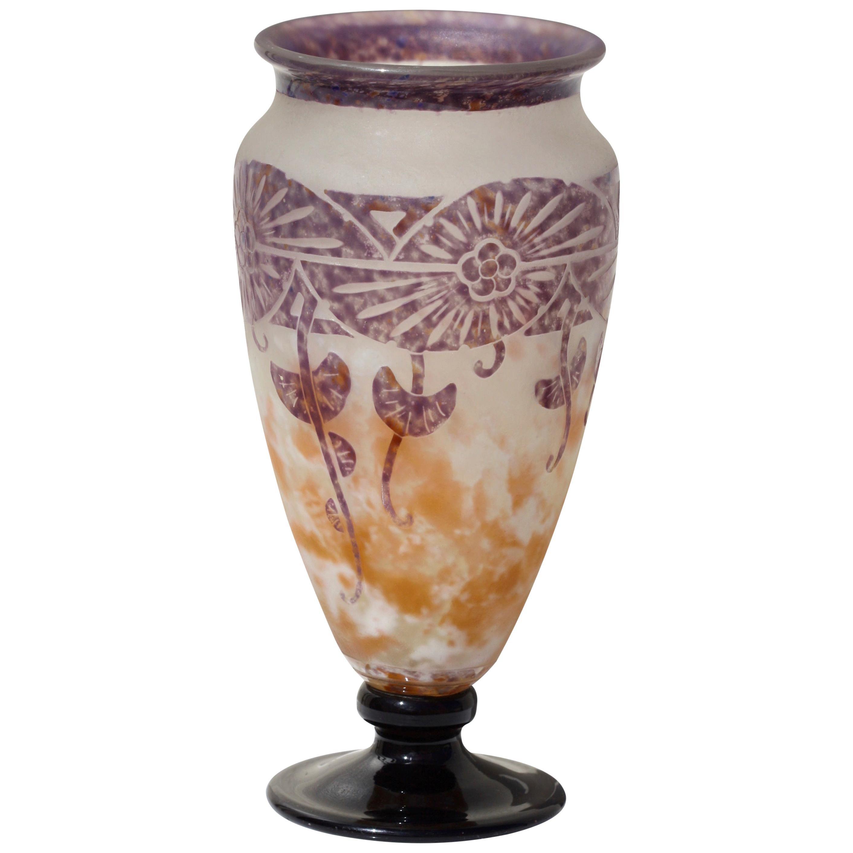 Charles Schneider, Le Verre Francais Cameo Glass Vase