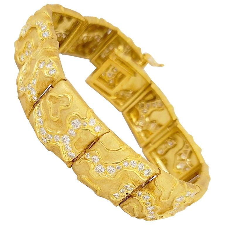 "Charles Turi 18 Karat Yellow Gold 4.02 Carat Diamond ""Berlingot"" Link Bracelet For Sale"