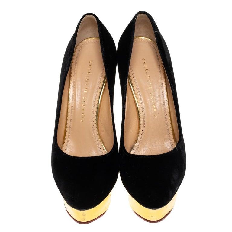 Charlotte Olympia Black Velvet Dolly Pumps Size 38 In Good Condition For Sale In Dubai, Al Qouz 2