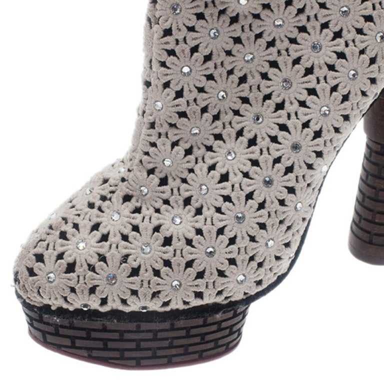 Charlotte Olympia Cream Damsel In Distress Crocheted Ankle Boots Size 36.5 For Sale 2