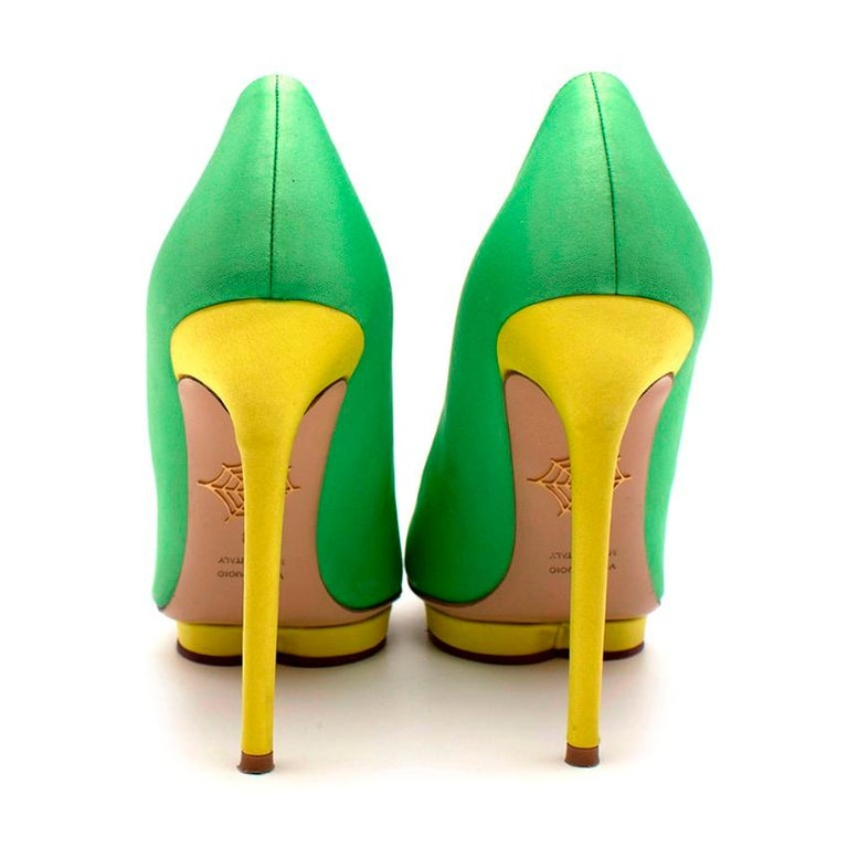Charlotte Olympia Green Neon Satin Heart Platform Heels US10 In Excellent Condition For Sale In London, GB