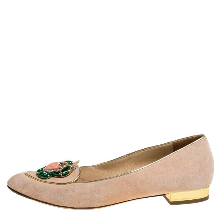 The zodiac Cancer has a crab as its symbol and these ballet flats from Charlotte Olympia Olympia carry these crab motifs on the uppers. They have been crafted from beige suede and styled with round toes and gold-tone hardware detailed heels. They