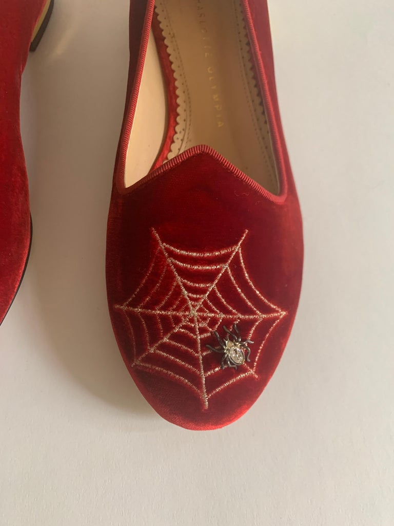 Charlotte Olympia Red Velvet Spider Web Smoking Slipper Loafer Flat In Excellent Condition For Sale In San Francisco, CA