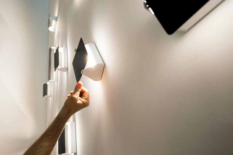 Charlotte Perriand 'Applique Á Volet Pivotant' Wall Lights in Black and White For Sale 1