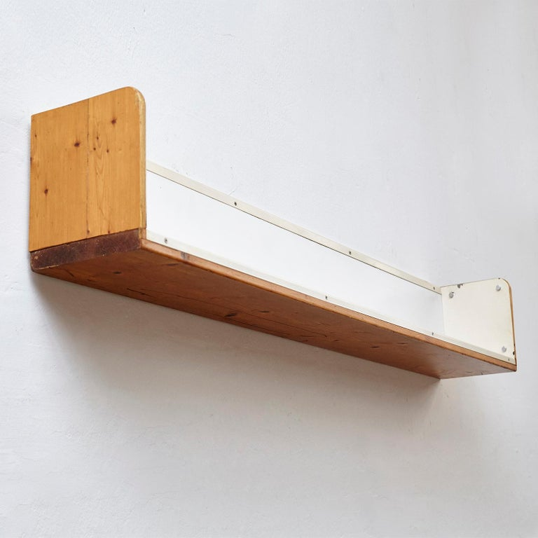 French Charlotte Perriand, Mid-Century Modern, Shelve for Les Arcs, circa 1960 For Sale