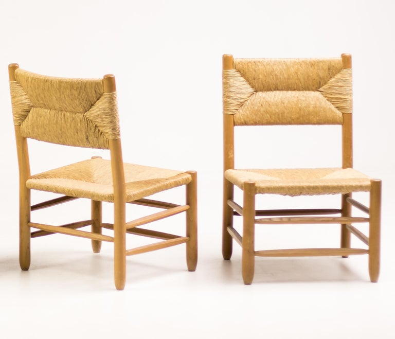 Charlotte Perriand Pair of Rush Lounge Chairs For Sale 8