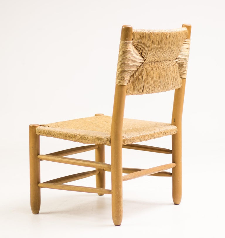 Charlotte Perriand Pair of Rush Lounge Chairs For Sale 1