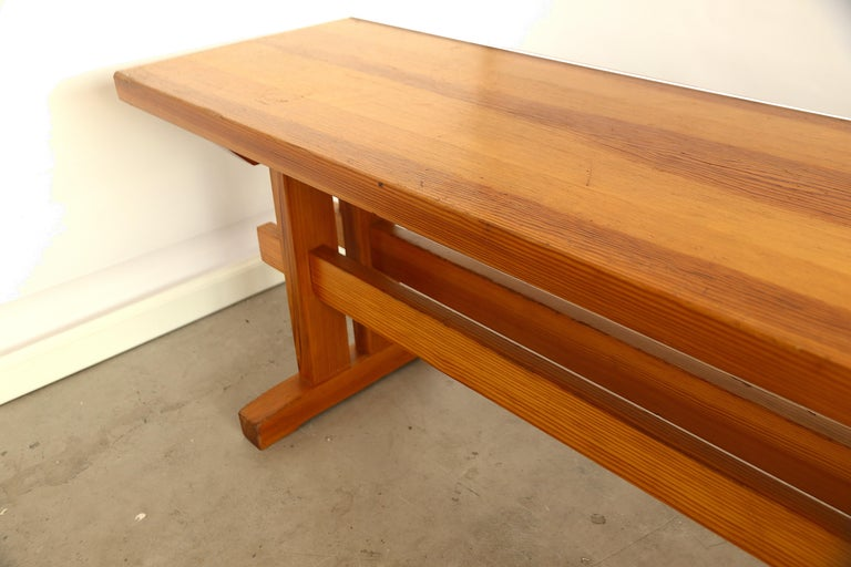 Lacquered Charlotte Perriand Style Sitting Bench in Pine, France, 1960s For Sale