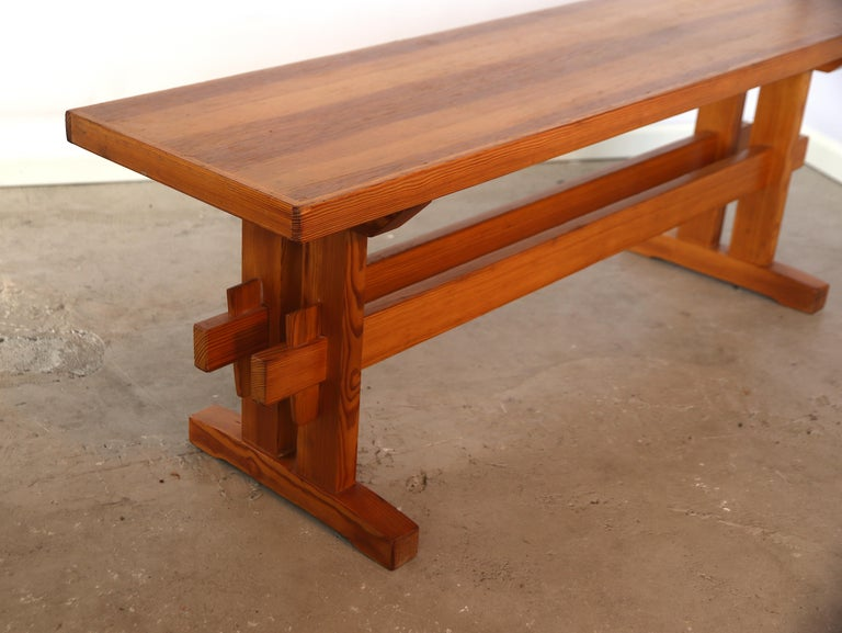 Mid-20th Century Charlotte Perriand Style Sitting Bench in Pine, France, 1960s For Sale
