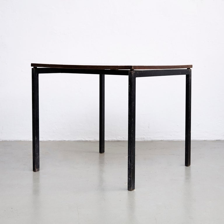 Charlotte Perriand table, designed for la chambres d'étudiant del la Maison du Brésil, Cité Internationale Universitaire de Paris.