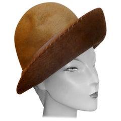 Charming 1960s Vintage 2 Tone Felt Wool Cloche Hat,