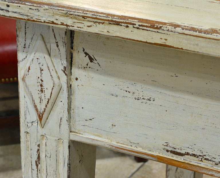Charming 19th Century Swedish Gustavian Style Painted Pinewood Farm Table For Sale 3