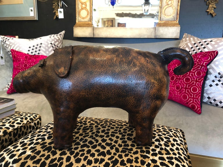 Charming Abercrombie and Fitch Vintage Leather Oinker Footstool Sculpture For Sale 1