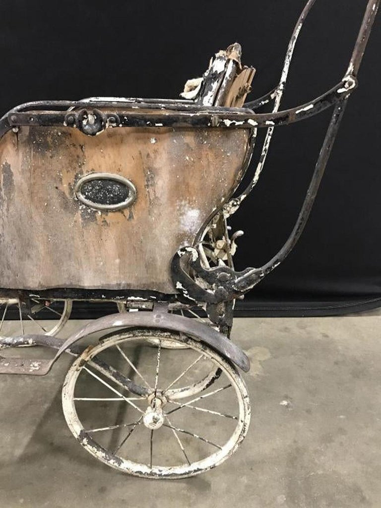 Charming Antique Baby Carriage Pram Stroller For Sale 1