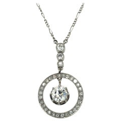 Charming Edwardian Diamond Pendant Necklace in Platinum 950