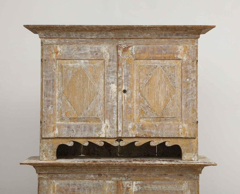 Charming Gustavian Cabinet, circa 1790, Origin Sweden For Sale 2