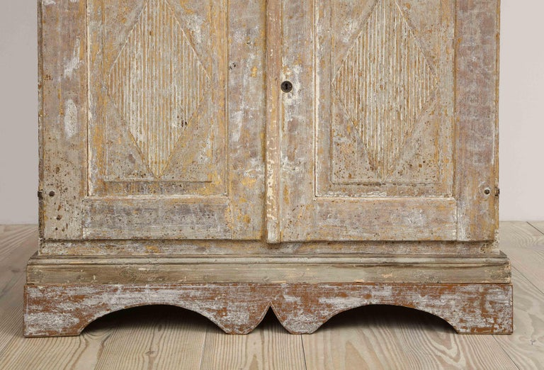 Charming Gustavian Cabinet, circa 1790, Origin Sweden For Sale 5
