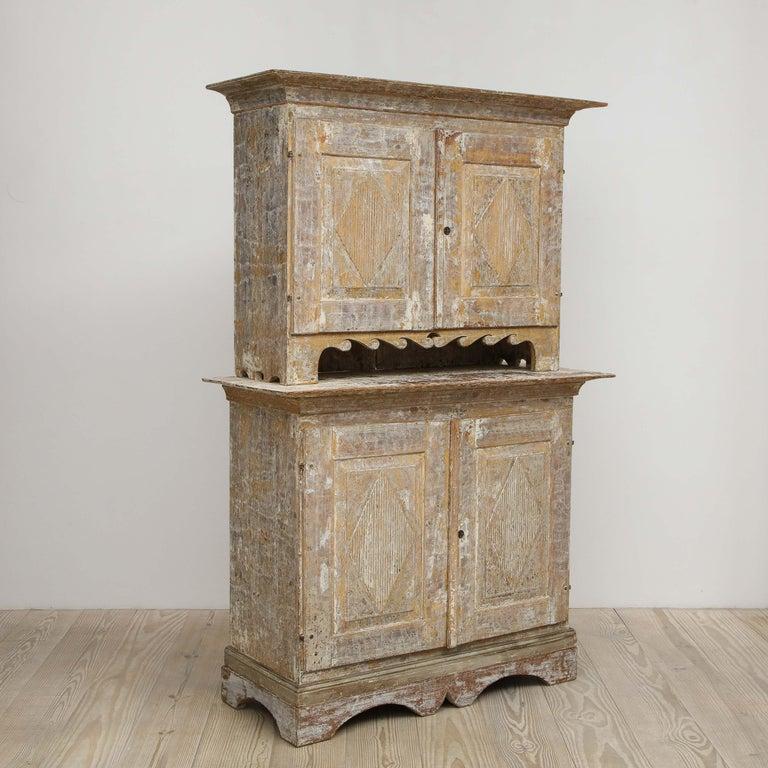 Swedish Charming Gustavian Cabinet, circa 1790, Origin Sweden For Sale