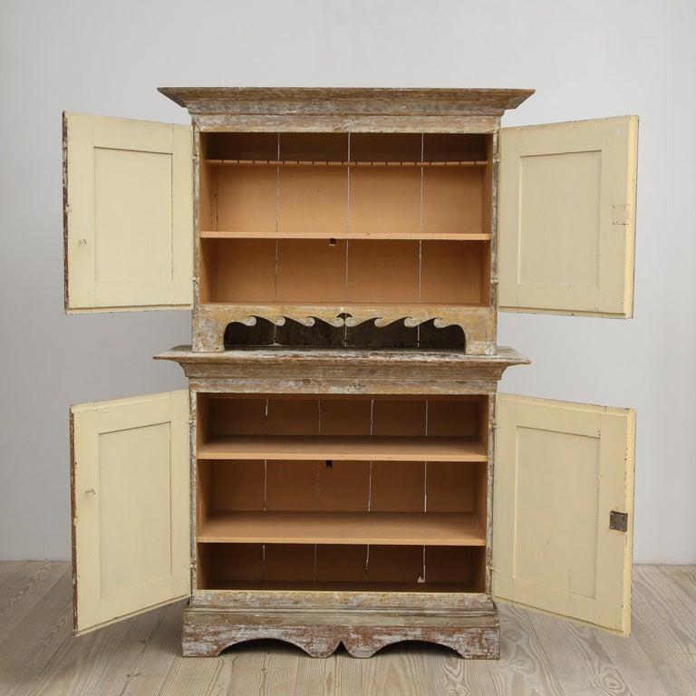 Charming Gustavian Cabinet, circa 1790, Origin Sweden For Sale 4