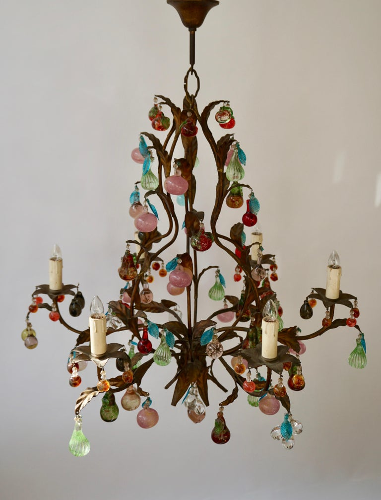 Charming Italian Murano Chandelier with Fruit Pendants in Colored Glass In Good Condition For Sale In Antwerp, BE