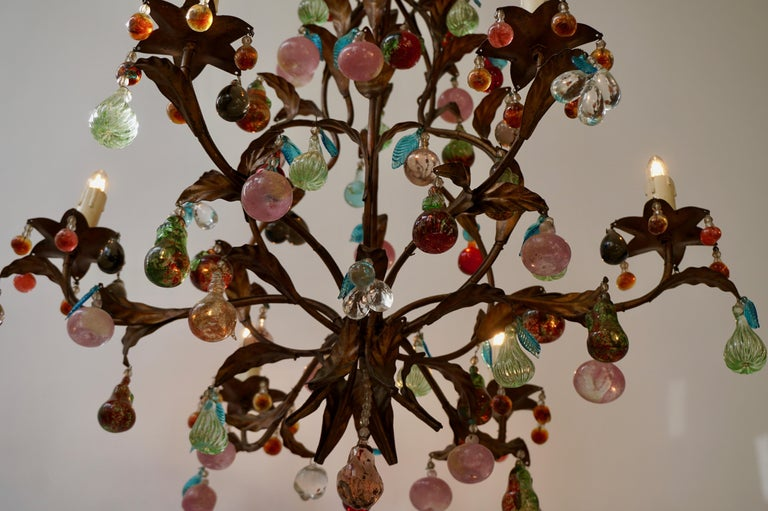 Charming Italian Murano Chandelier with Fruit Pendants in Colored Glass For Sale 1