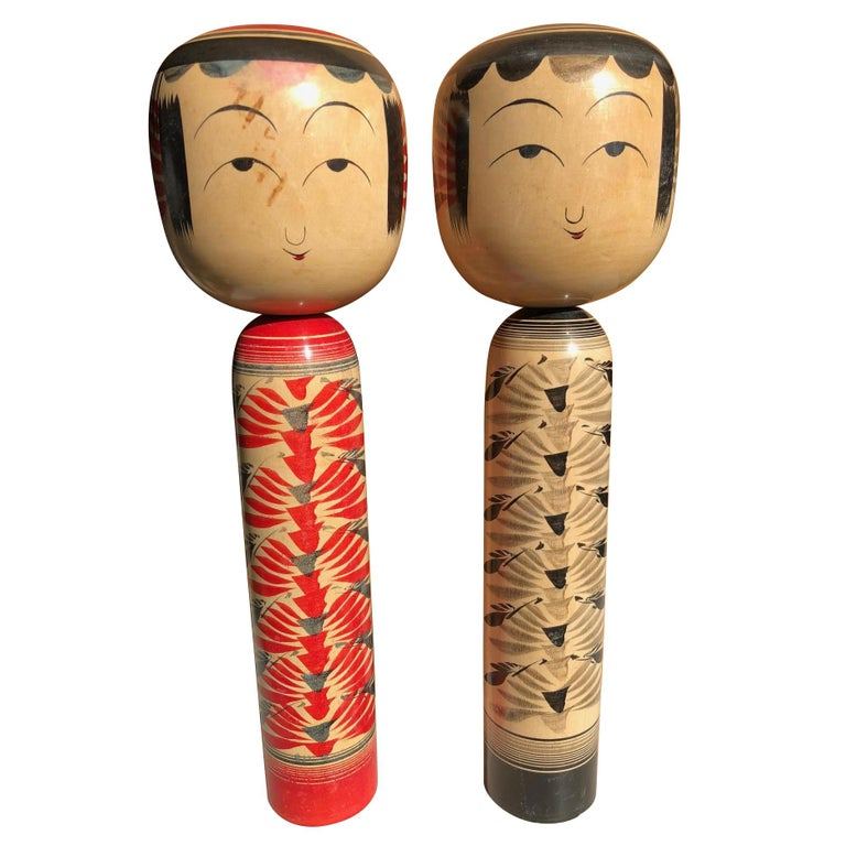 Charming Japanese Hand-Painted Pair of Tall Famous Kokeshi Dolls Mint and Signed For Sale