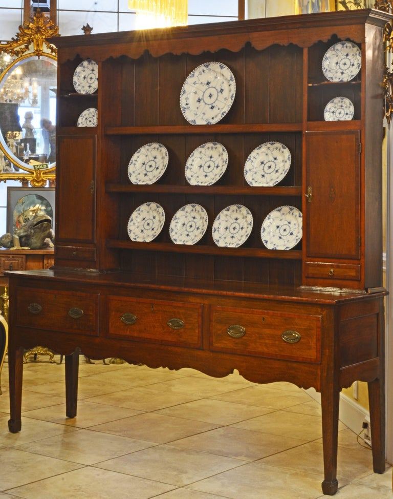 Baroque Charming Late 18th Century English Oak and Mahogany Accented Welsh Dresser For Sale