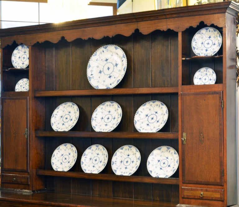 Charming Late 18th Century English Oak and Mahogany Accented Welsh Dresser In Good Condition For Sale In Ft. Lauderdale, FL