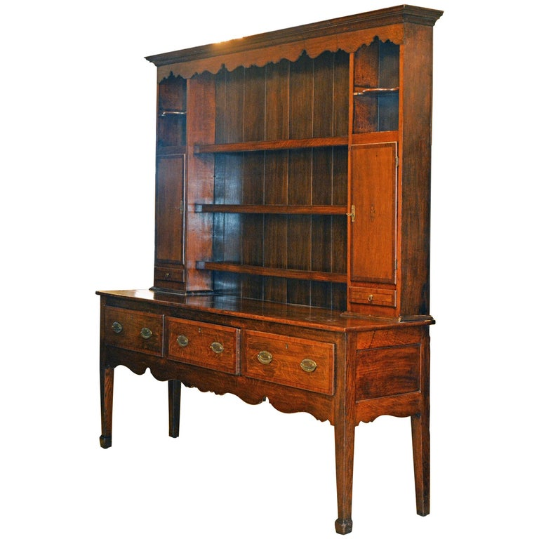 Charming Late 18th Century English Oak and Mahogany Accented Welsh Dresser For Sale