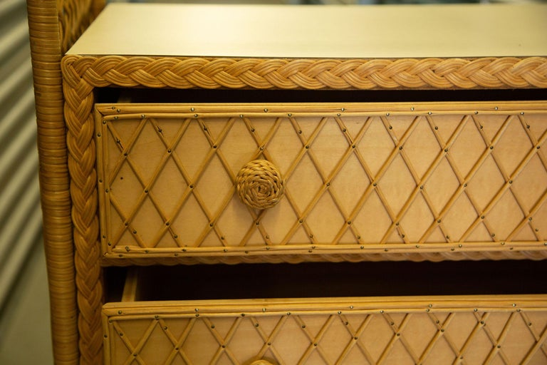 Charming Pair of Vintage Rattan Bookcase Étagère In Good Condition For Sale In West Palm Beach, FL