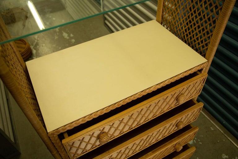 Charming Pair of Vintage Rattan Bookcase Étagère For Sale 3