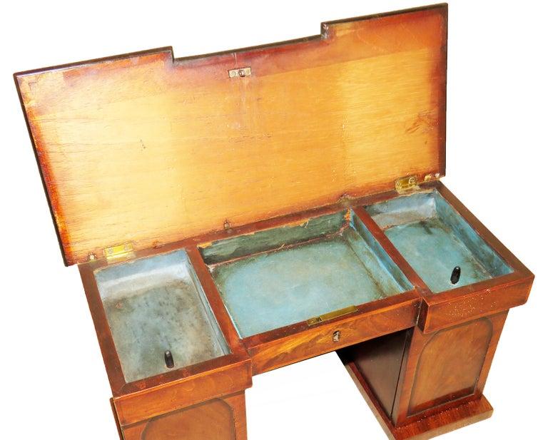 English Charming Regency 19th Century Mahogany Tea Caddy Miniature Sideboard For Sale