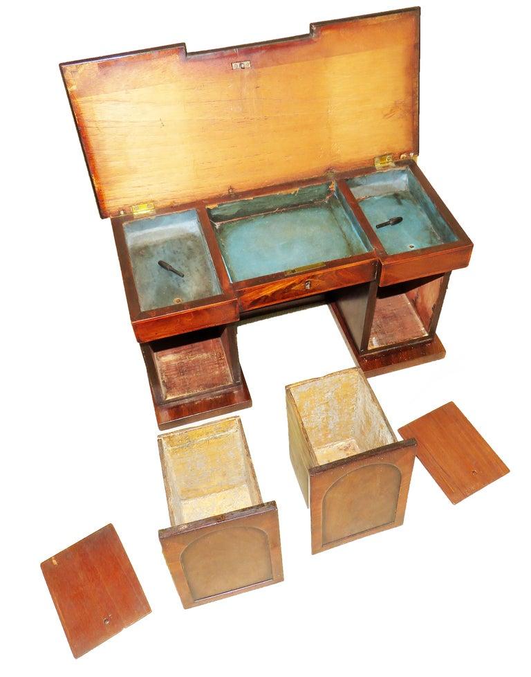 Charming Regency 19th Century Mahogany Tea Caddy Miniature Sideboard For Sale 2