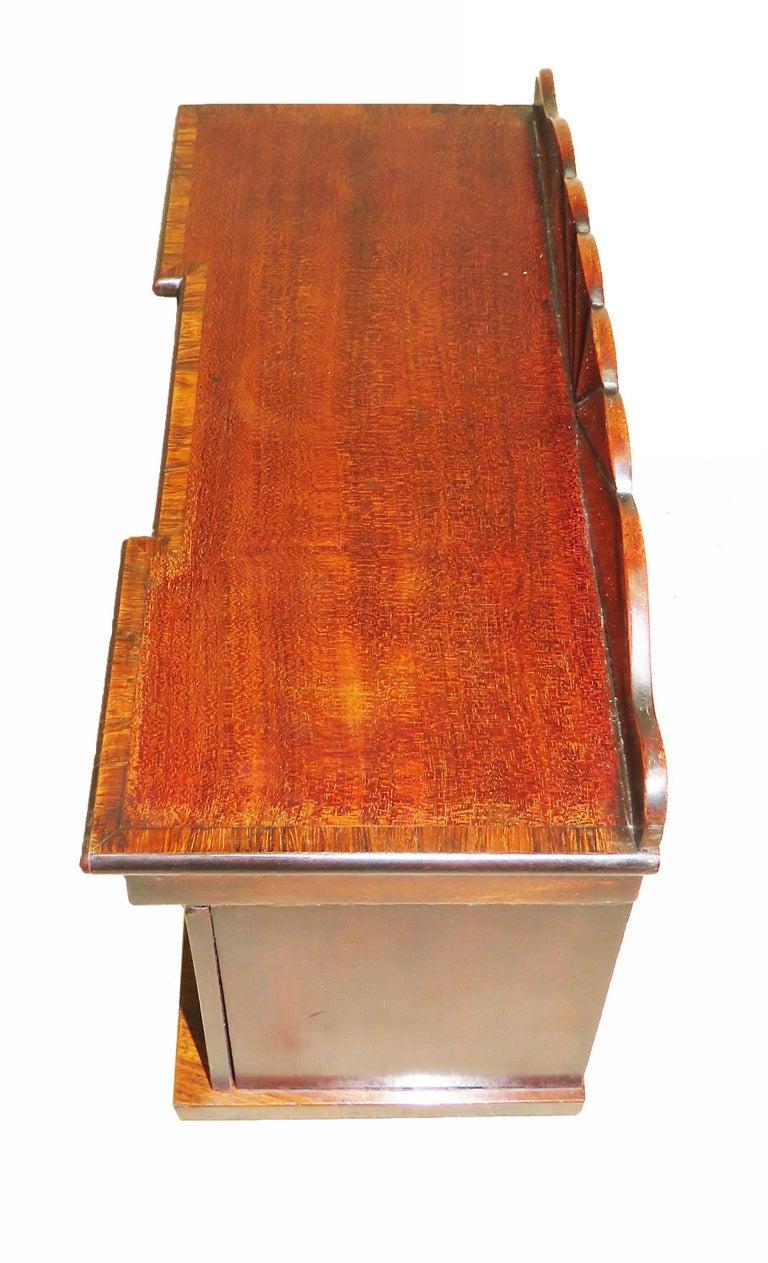 Charming Regency 19th Century Mahogany Tea Caddy Miniature Sideboard For Sale 3