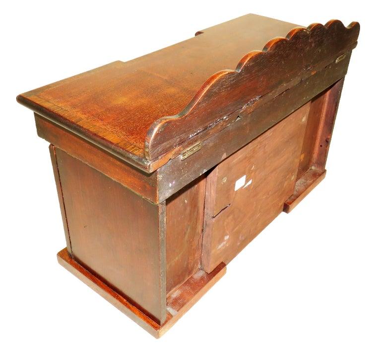Charming Regency 19th Century Mahogany Tea Caddy Miniature Sideboard For Sale 4