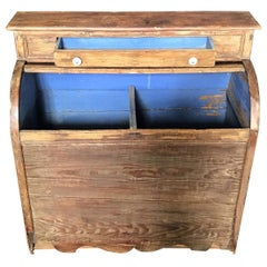 Charming Scalloped Edge 19th Century Pine Wood Box