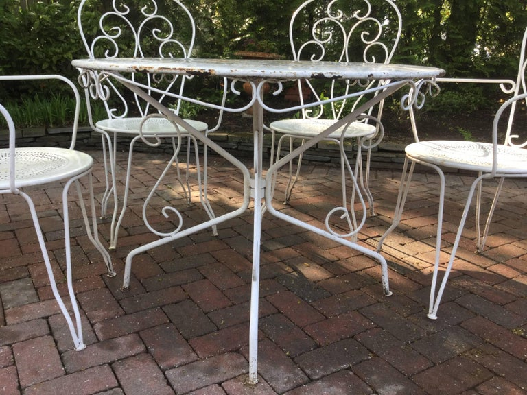 Mid-20th Century Charming Vintage French Bistro Dining Table and Chairs For Sale